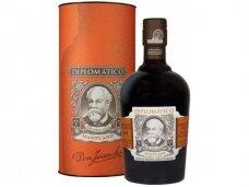 Romas Diplomatico Mantuano su dėž. 0,7 l